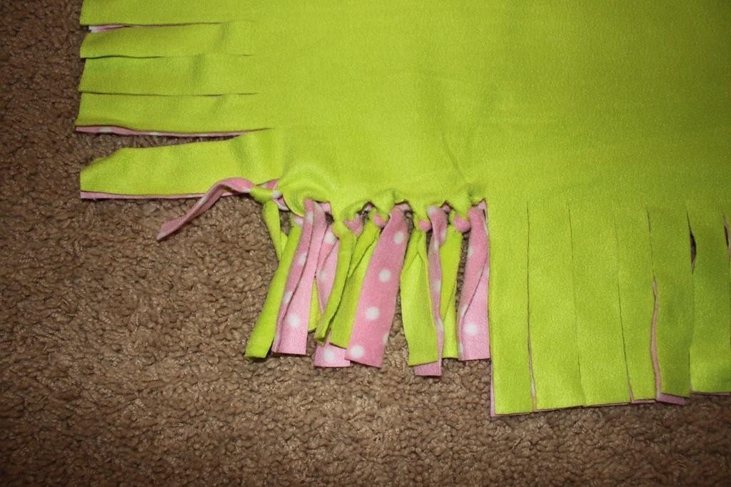 No Sew Fleece Tie Blanket Tutorial Confessions Of A